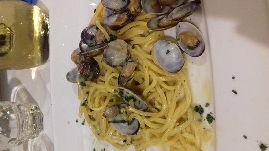 Vergato, Italien: 20161118_205344_large.jpg