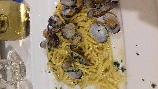 Vergato, Italien: 20161118_205341_large.jpg