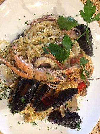 Castellina Marittima, Italia: Spaghetti allo scoglio.