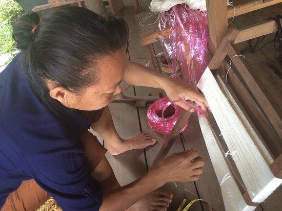 Ock Pop Tok Villa: Weaving teacher preparing to dye ikat