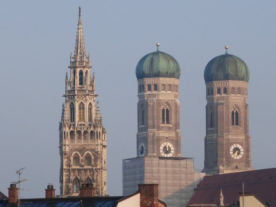 Church of Our Lady (Frauenkirche): Church Twin Towers and Neues Rathaus Tower