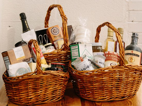 Marshall, VA: Custom made gift baskets to order!