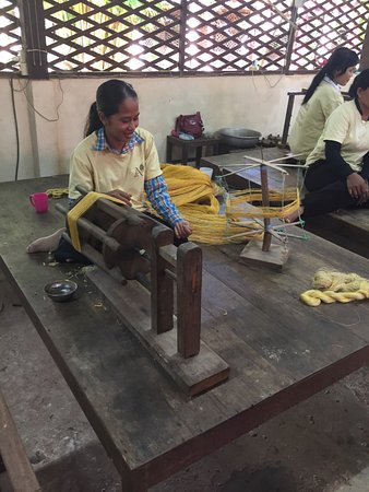 Angkor Silk Farm : photo0.jpg