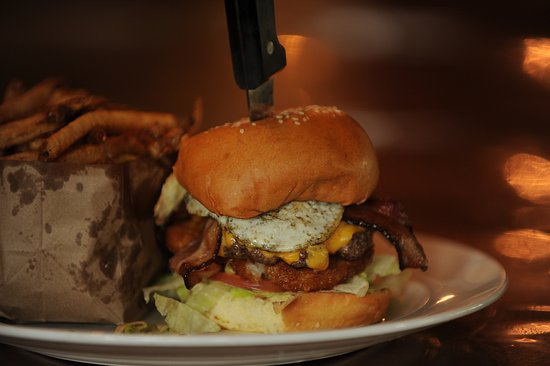 Brecksville, OH: Burntwood Burger