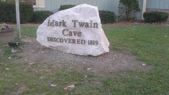 Mark Twain Cave and Cameron Cave照片