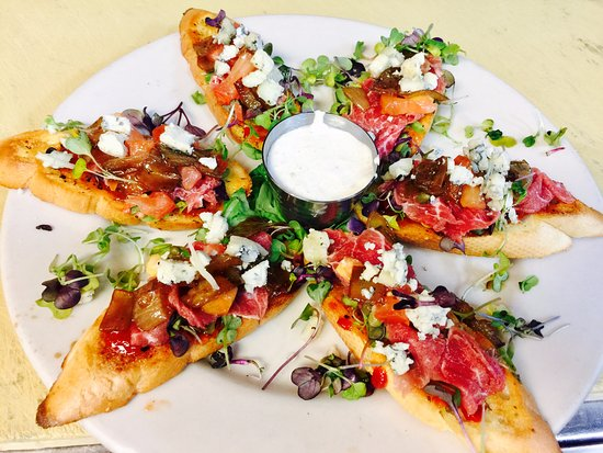 Hurst, TX: Tenderloin Bruschetta with Hot Jalapeno Jam and Horseradish Sauce