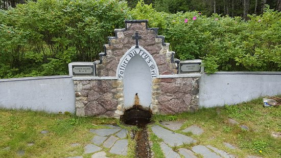 Holyrood, Kanada: Father Duffy's Well