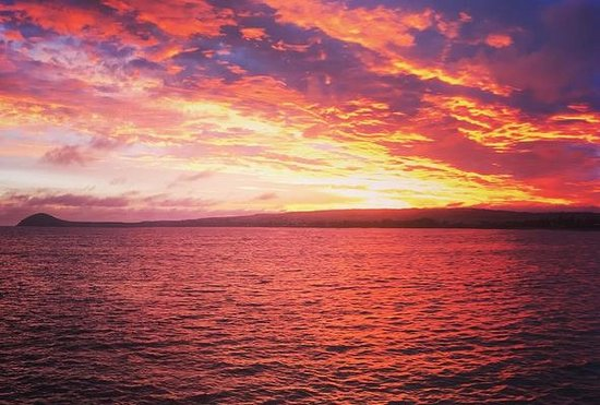 Victor Harbor, Australia: I'm soo proud of this photo! Granite island sunset!