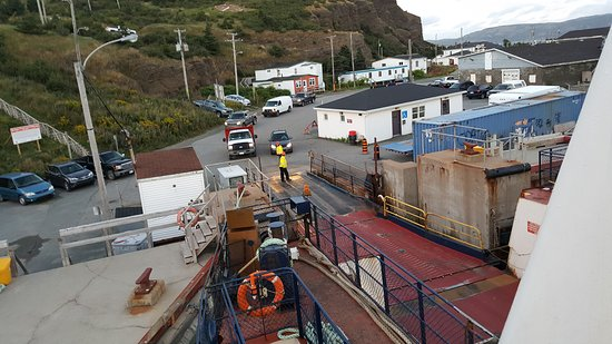 Portugal Cove, Canadá: Loading the ferry at Bell Island