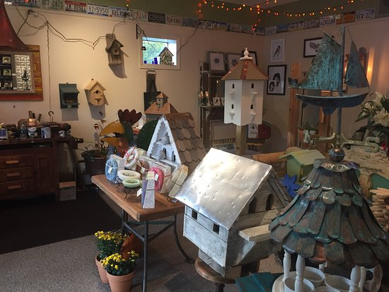 Watkinsville, GA: Custom handmade Birdhouses by Tweetie Industries Birdhouses and Artisan Gifts, 20 N Main Street,