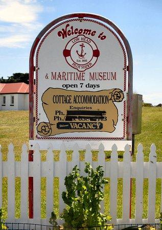 Low Head, Australië: Entrance To Museum