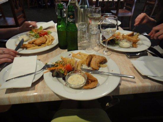 Venice Restaurant: Chicken with Dips