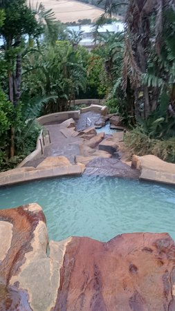 Caledon Hotel, Spa, Casino: One of the mineral pools