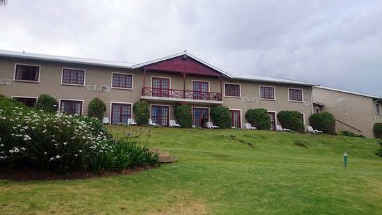 Caledon Hotel, Spa, Casino: The side of the hotel facing the farms