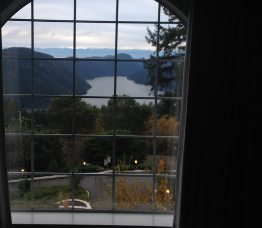 Malahat, Kanada: 180 degrees vista of mountains