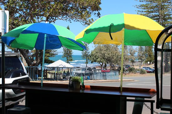 Caloundra, Australien: Water views from front bench with stools