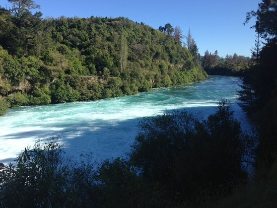 Taupo, New Zealand: Look at the colours