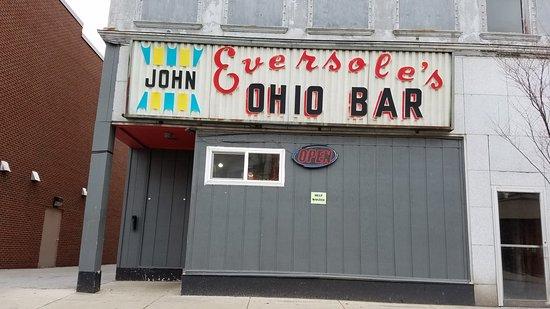 Wapakoneta, OH : unique historic type sign