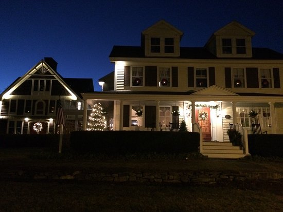 Lincolnville, ME: It's not too late to book your stay for a night or two this weekend for Christmas by the Sea at