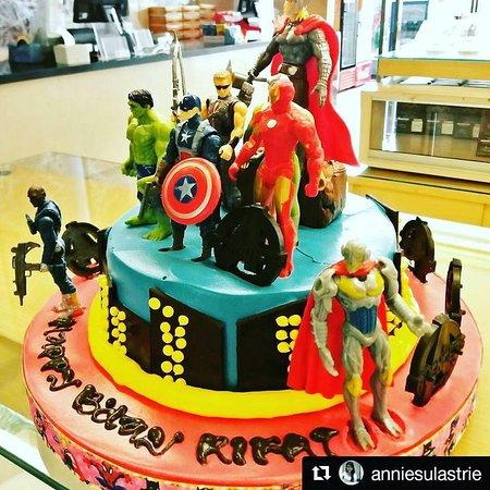 The Avanger Custom Birthday Cake Made by Strawberry Delight