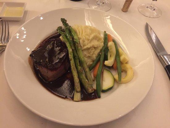 Parker's Restaurant: photo1.jpg