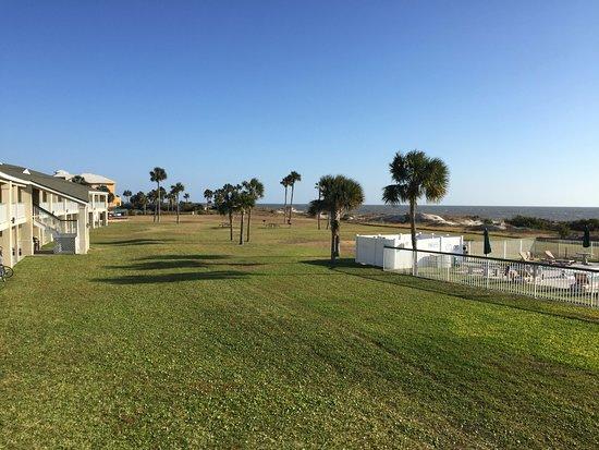 Days Inn & Suites Jekyll Island: Oceanview side