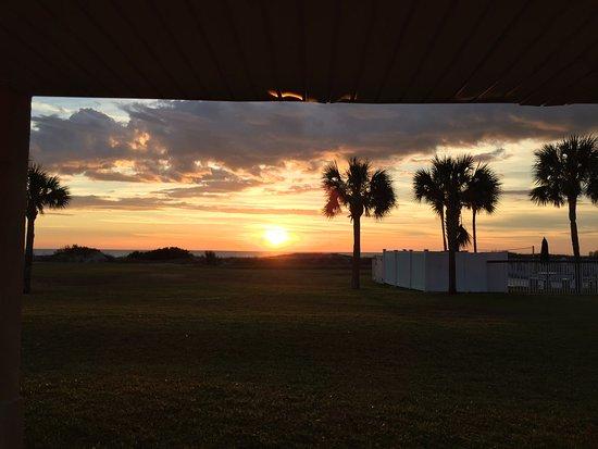 Days Inn & Suites Jekyll Island: Morning Glory