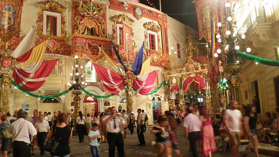Excursion in Malta: Village of Zurrieq- St. Catherines Festa - Street Decorations