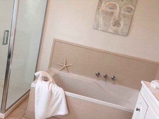 Stanley, Australia: The Exchange Suite Bathroom
