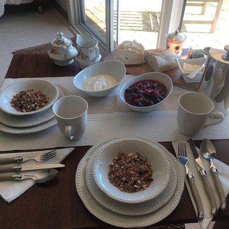 Stanley, Australia: Our Continental Breakfast