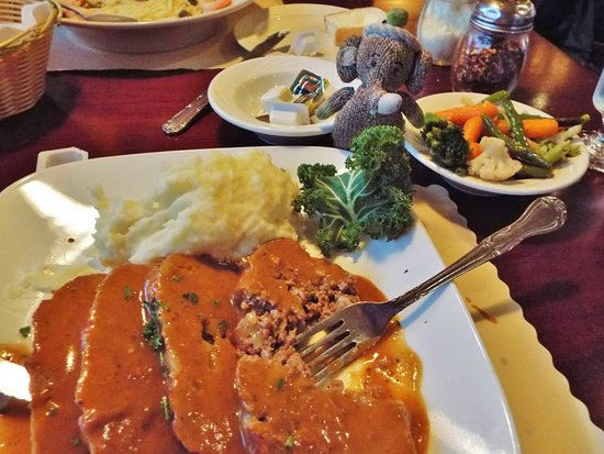 Plantsville, CT: meatloaf special - yummy!