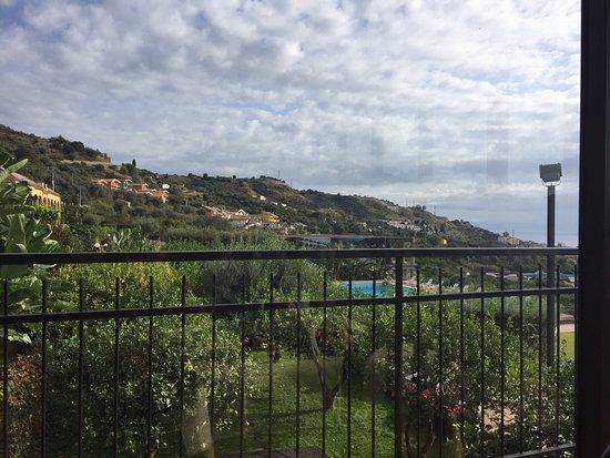 Furci Siculo, Italien: Завтракая, мы наслаждались видами...