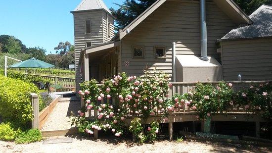 Rosebud, Australia: The lovely Mont Rouge Estate in full bloom