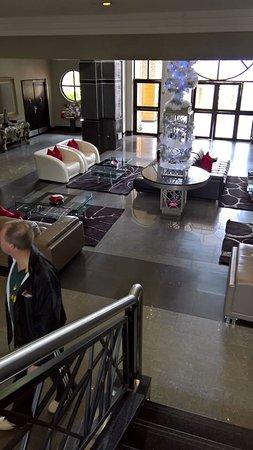 Velmore Hotel Estate : Hotel lobby