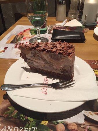 Sankt Valentin, النمسا: Una fettona di torta