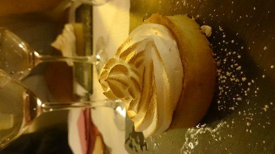 Meyreuil, ฝรั่งเศส: Tarte citron et sa meringue croustillante