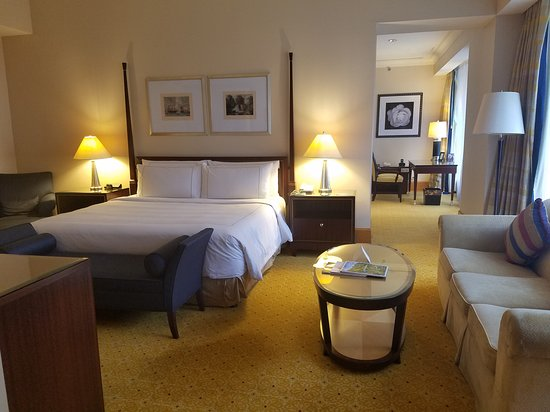 The Ritz-Carlton Jakarta, Mega Kuningan: 20161130_155856_large.jpg