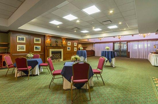 Painesville, Огайо: Club Grille