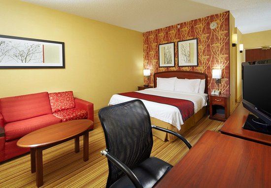 Altoona, PA: King Guest Room