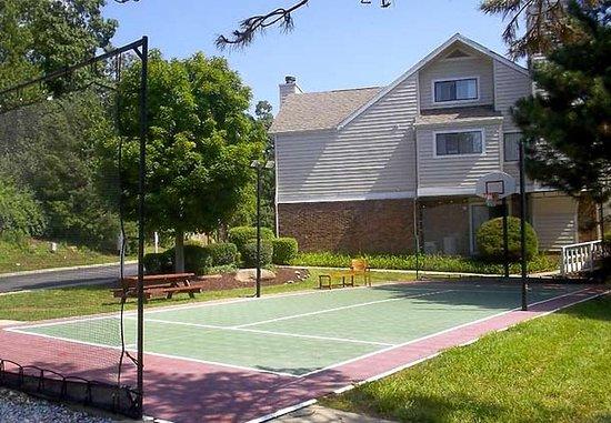 Shelton, CT: Sport Court
