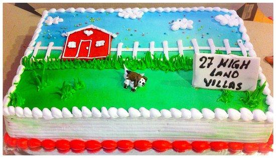 cremeux villa celebration customized cake
