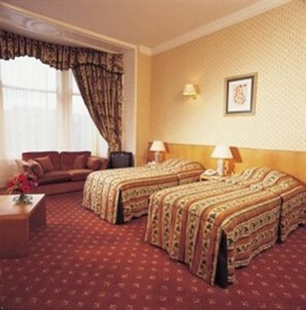 Royal British Hotel: Guest Room