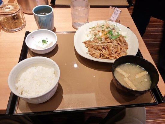 Izumiotsu, ญี่ปุ่น: 豚生姜焼き