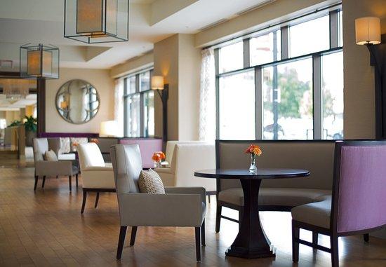 Peoria, IL: Greatroom Seating Area