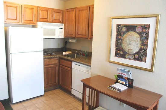 Kentwood, MI: Fully Stocked Kitchenette