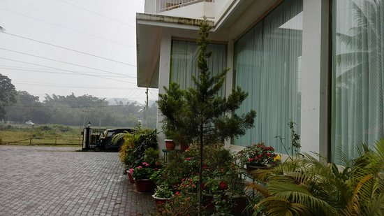 Periyar Meadows Leisure Hotel: TA_IMG_20161201_151712_large.jpg