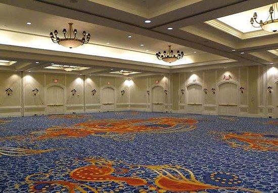 Portsmouth, VA: Holley Ballroom