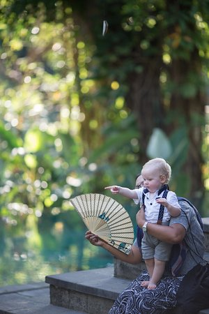 Mas, Indonesien: Childcare/babysitter service available