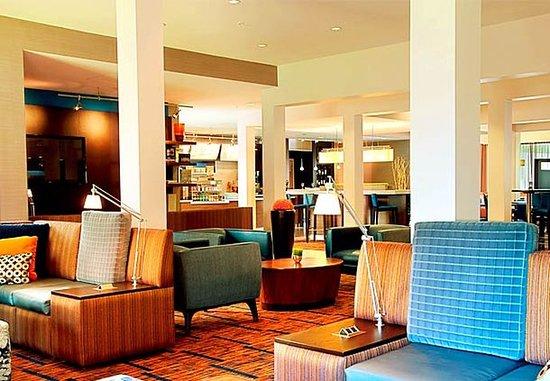 Courtyard Houston Westchase: Lobby