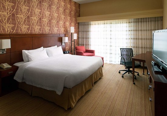 Milpitas, CA: King Guest Room - Larger